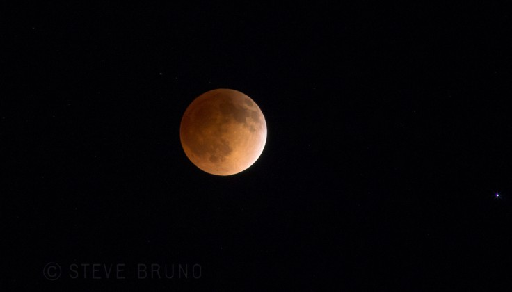 Blood Moon 01-Steve Bruno