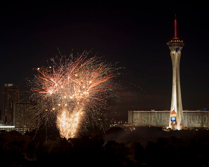 Fireworks over Las Vegas by Steve Bruno