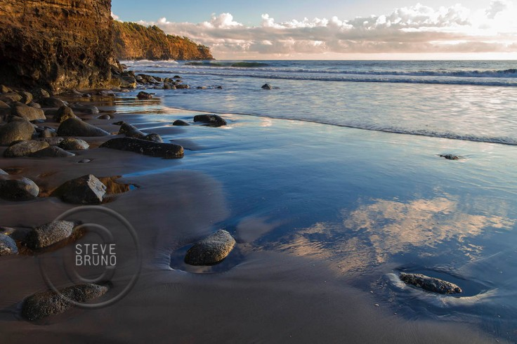 Hawaii Black Sand Beach Tide