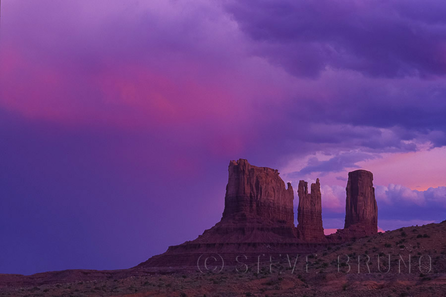 monument-valley-sunset-by-steve-bruno