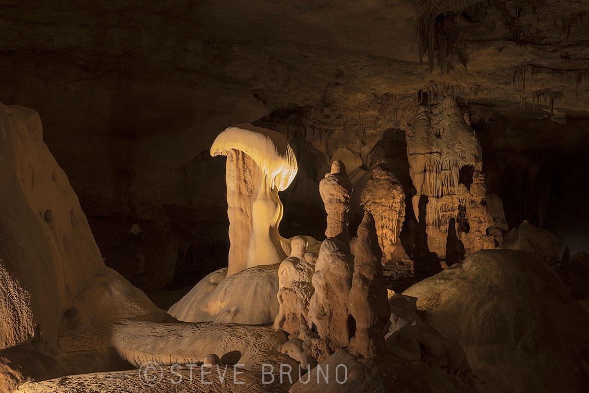 Cave 03