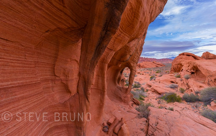 natural windows, sandstone, Valley Of Fire, Nevada, Steve Bruno