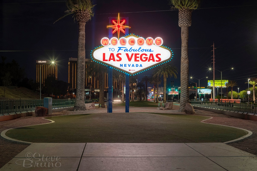 Welcome Sign, quarantine, Las Vegas, Steve Bruno